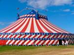 Cirque Romanès - Si tu m'aimes plus, je me jetterai par la fenêtre de la caravane !