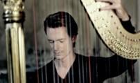 Xavier de Maistre en pince pour la harpe