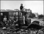 DOISNEAU, LA VOITURE FONDUE 1944