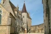 Château de Châteauneuf-en-Auxois