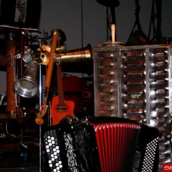 Un bric-à-brac d'instruments